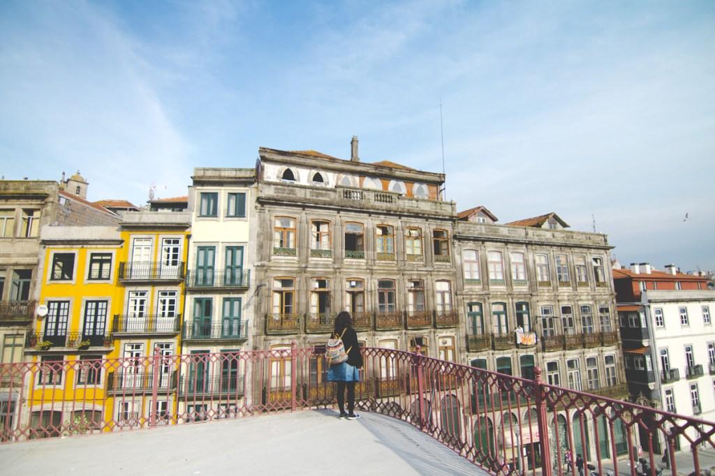 Θέα στα παλιά σπίτια του Πόρτο