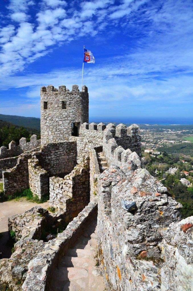 Η θέα απ' το παρατηρητήριο του Castelo dos Mouros στην Σίντρα.