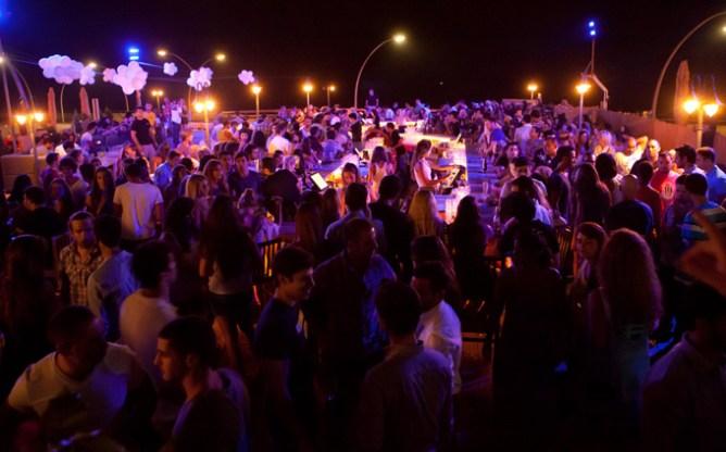 Κλαμπ στο Τελ Αβίβ γεμάτο από κόσμο