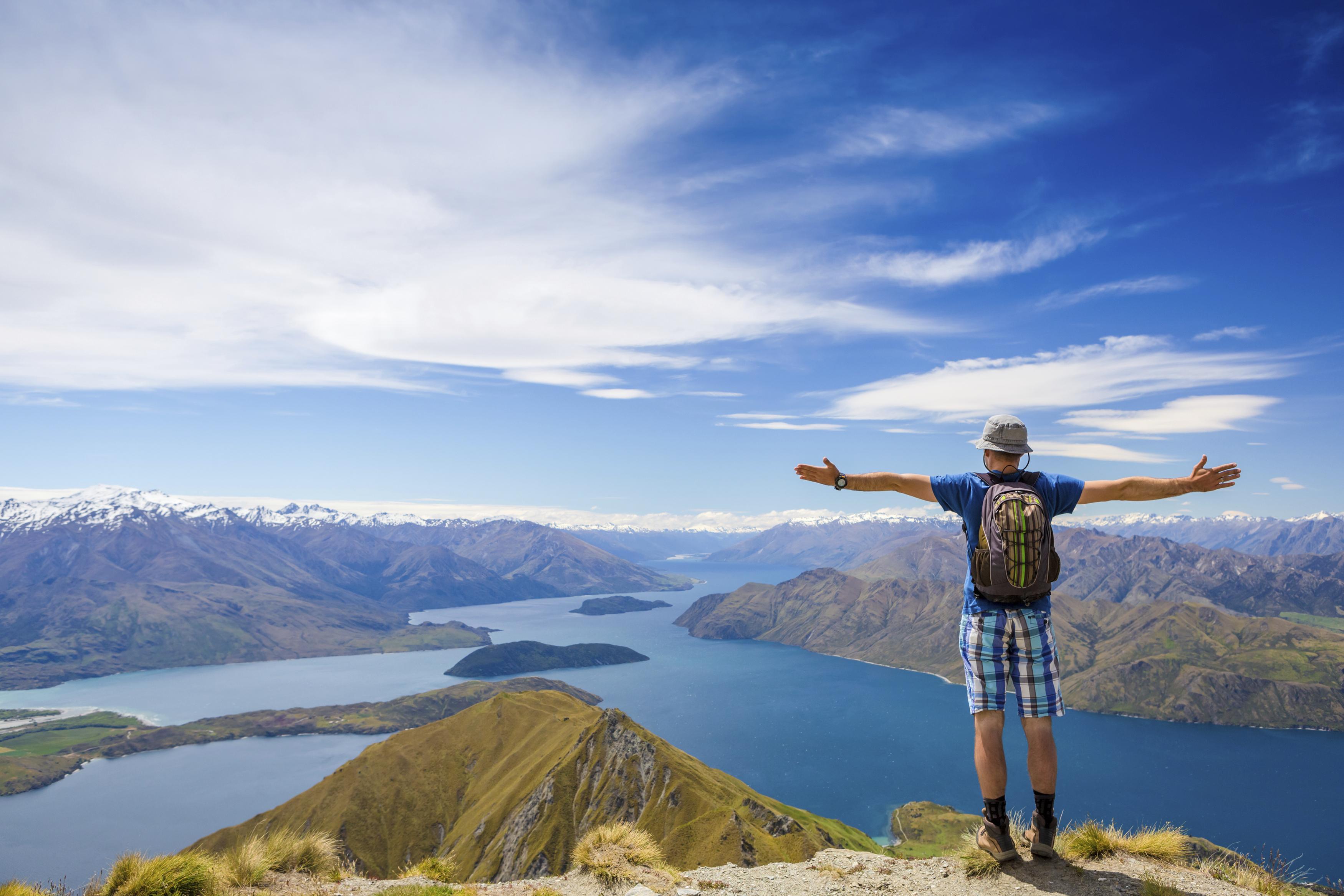 lugares para viajar solo y conocer gente