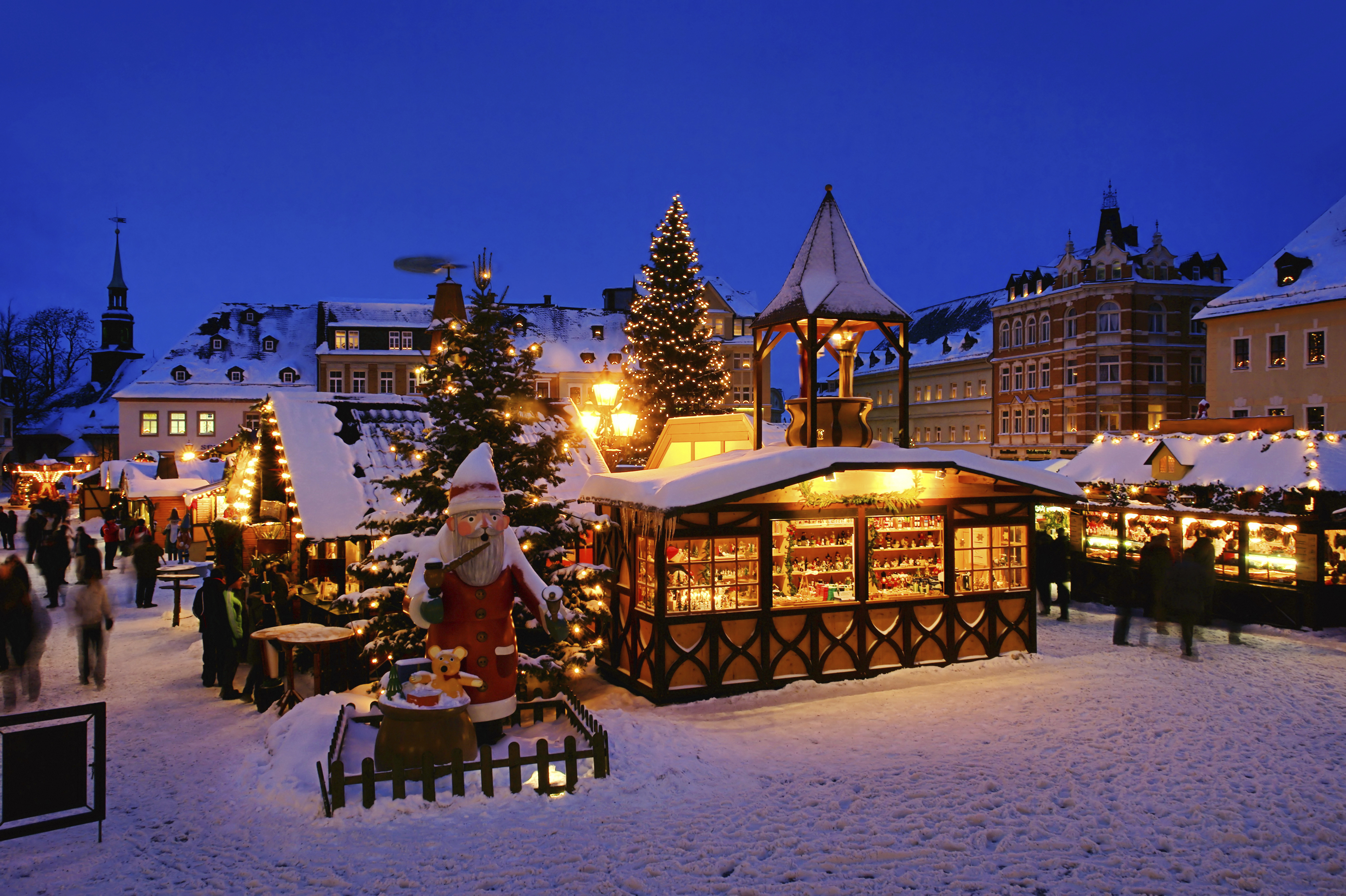 Christmas In Europe.10 Best Christmas Market Cities In Europe Skyscanner