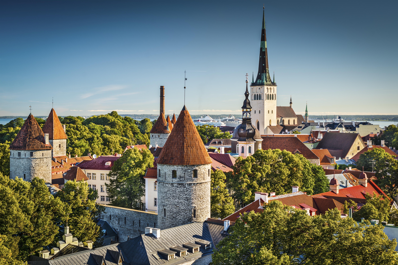 Teen girls in Tallinn