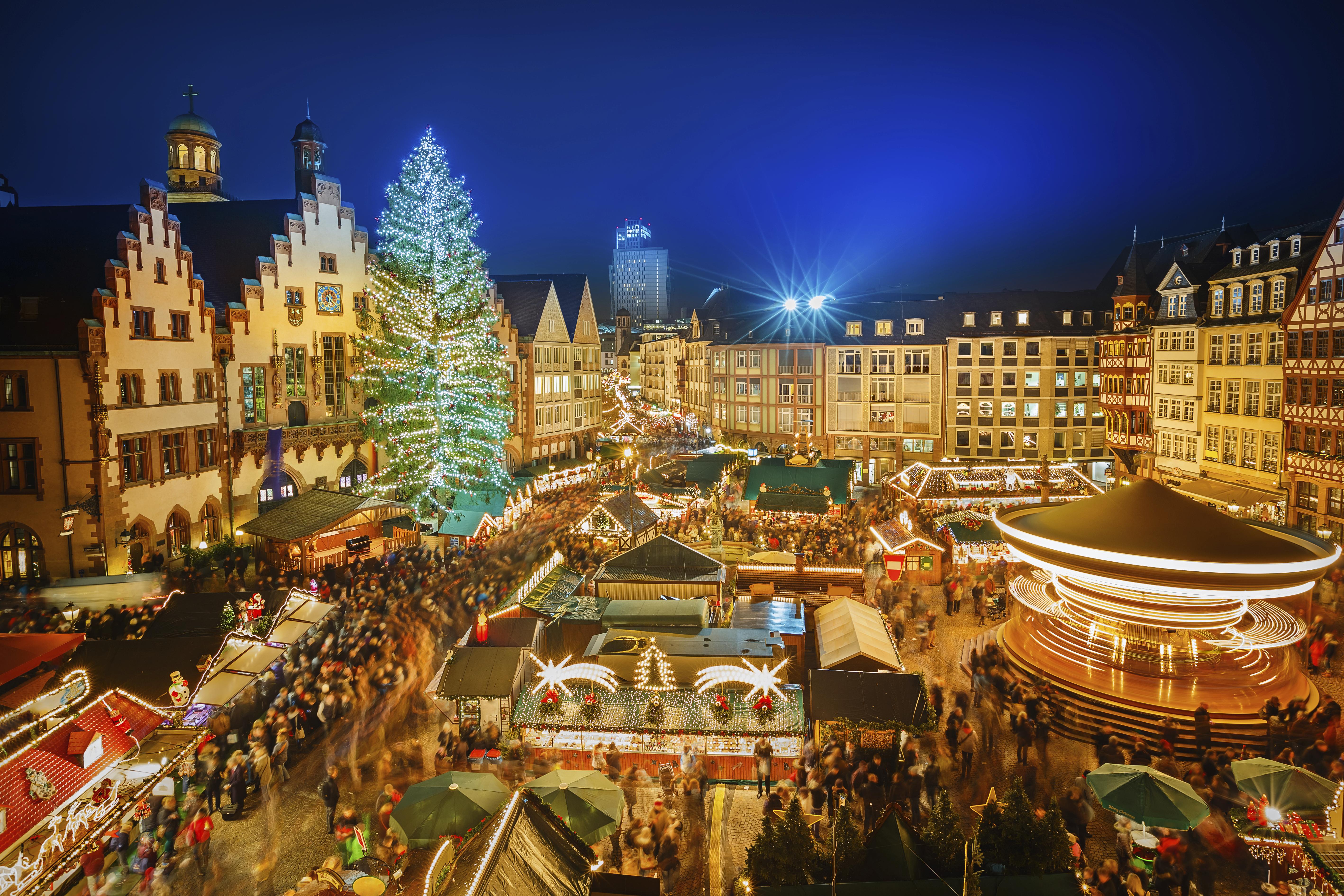 Paris Weihnachtsmarkt.11 Of The Best Christmas Market City Breaks For Under 80