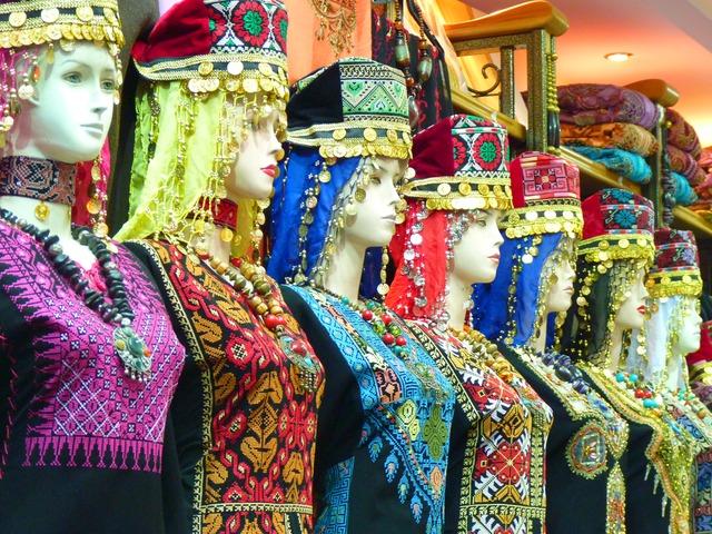 Παραδοσιακές γυναικείες φορεσιές της Ιορδανίας.