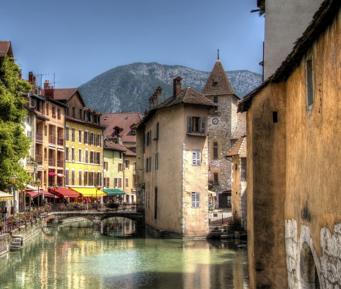 Trouvez Un Hôtel Pas Cher Pour Annecy · 10 Destinations Où Partir En Week  End En Amoureux   Annecy, France