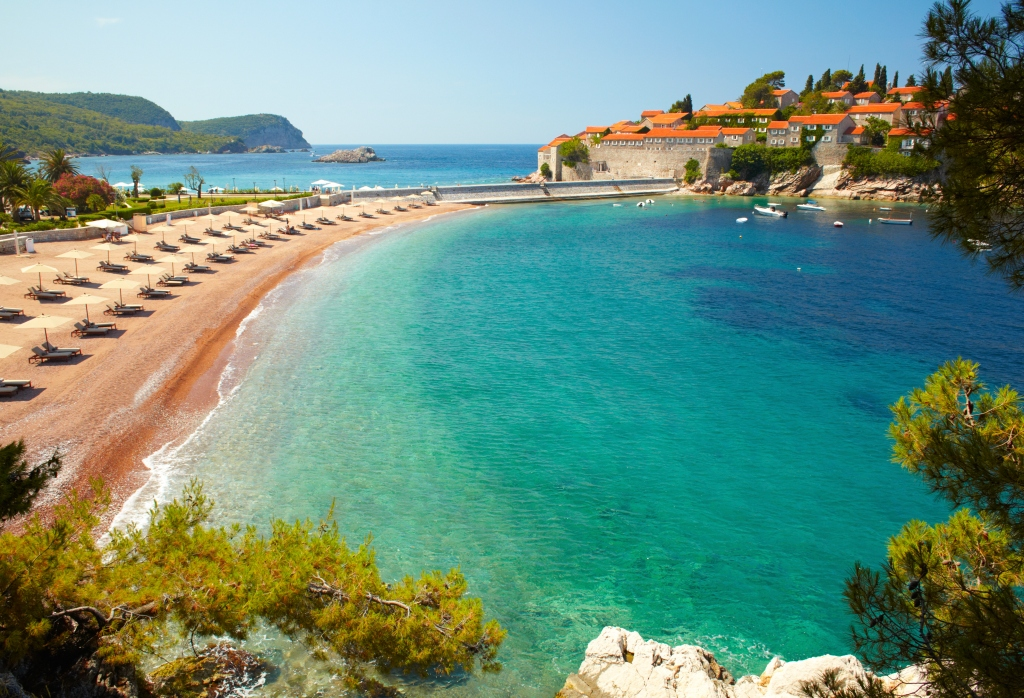 Где отдохнуть за границей в первый раз: Черногория — беспроигрышный вариант