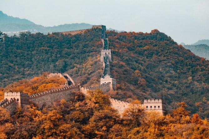 Среди достопримечательностей Пекина и окрестностей — Великая Китайская стена