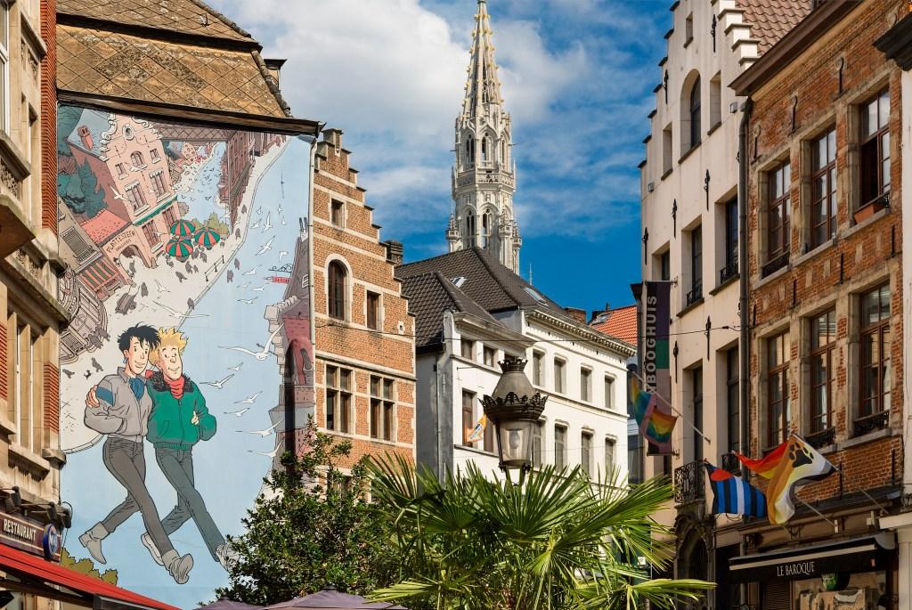 Murale na kamienicach w Brukseli