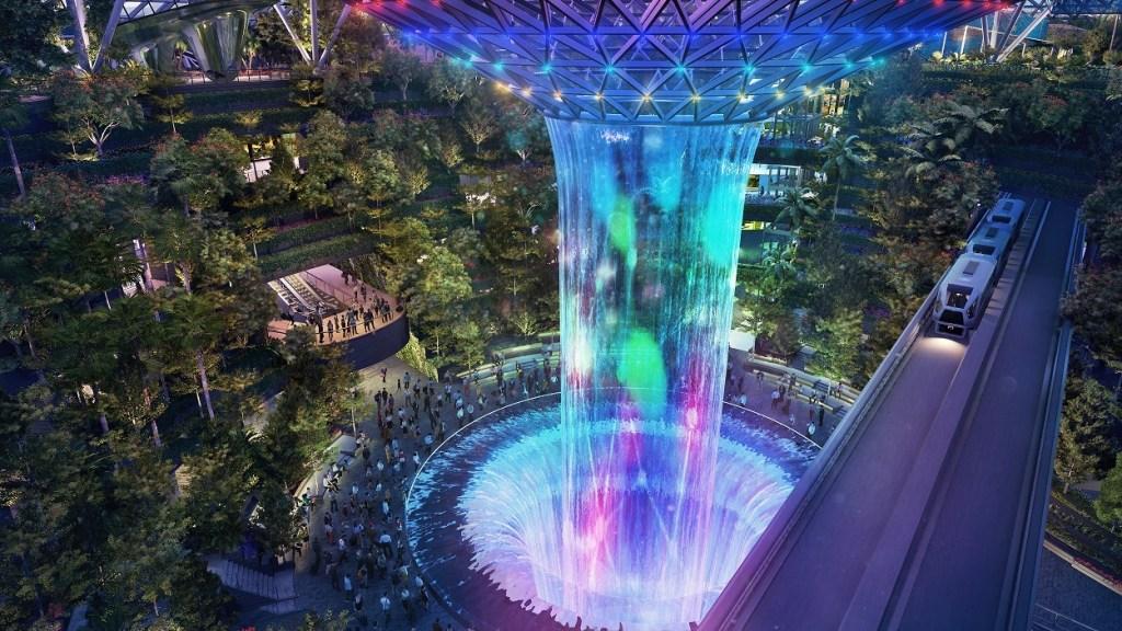 Искусственный водопад Rain Vortex в комплексе Jewel Changi Airport
