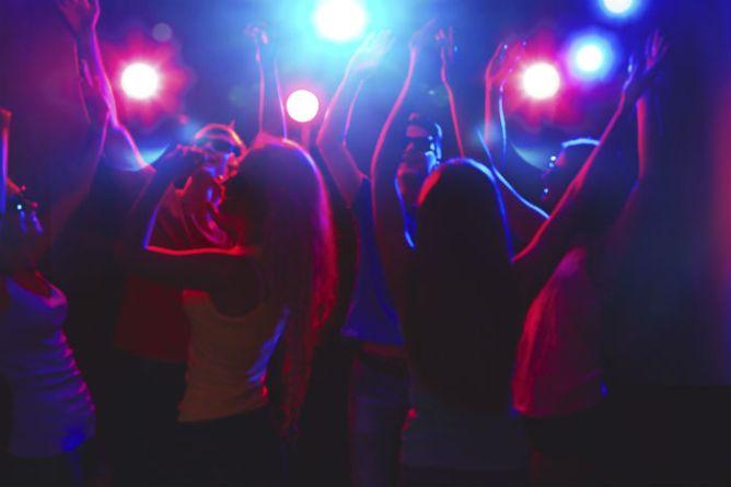 Χορός σε νυχτερινό κέντρο