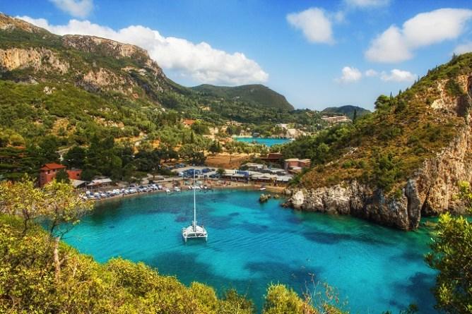 Welche griechischen Inseln kann man direkt anfliegen? Korfu