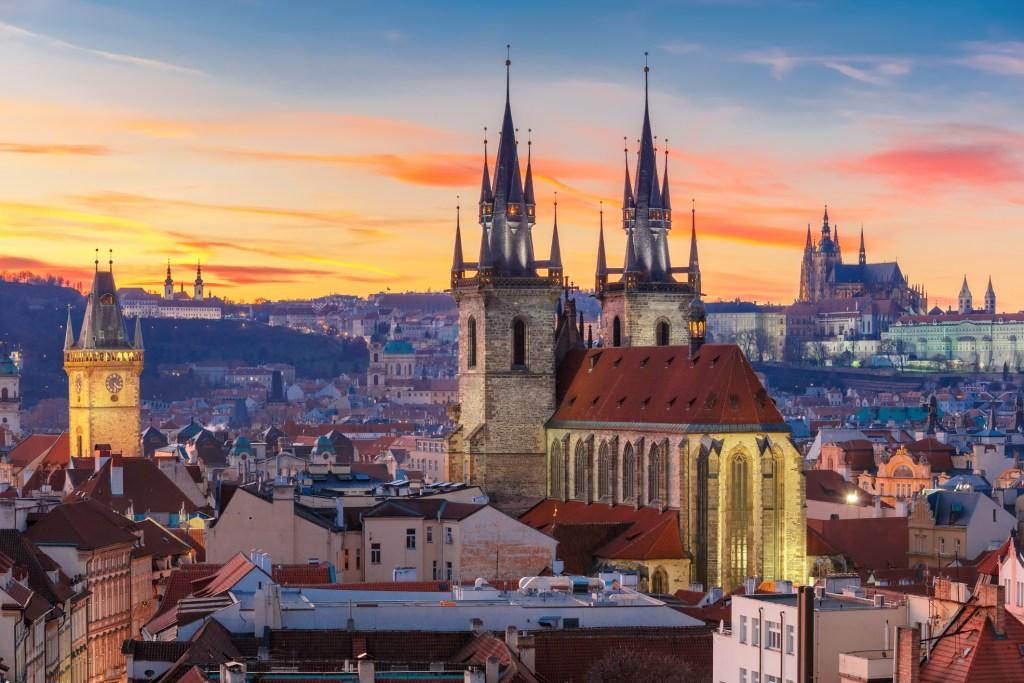 Даже если это ваша самая первая в жизни поездка за границу, в Праге вам будет комфортно