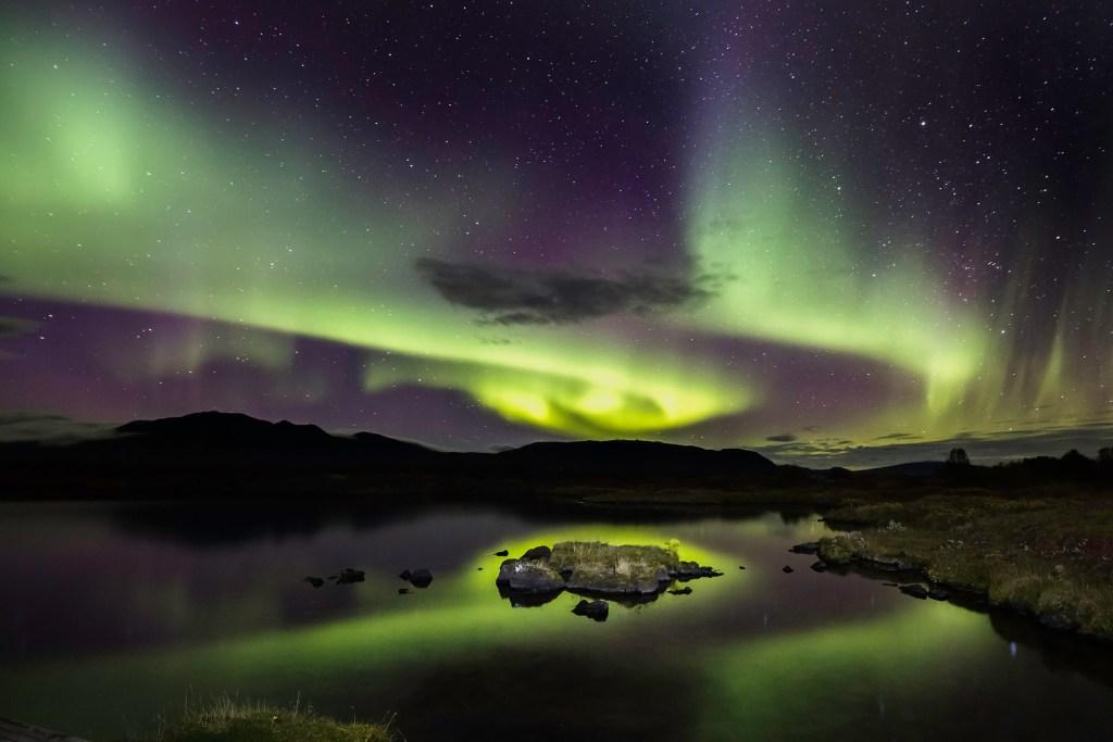 Το Βόρειο Σέλας στο Εθνικό Πάρκο Thingvellir της Ισλανδίας