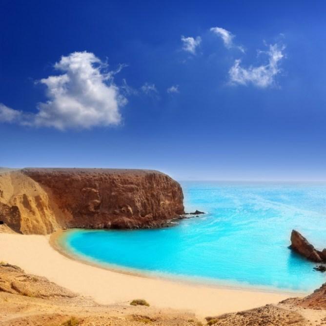 H εξωτική παραλία Papagayo στο Λανθαρότε
