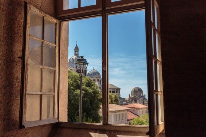 Παράθυρο με θέα στη Μασσαλία