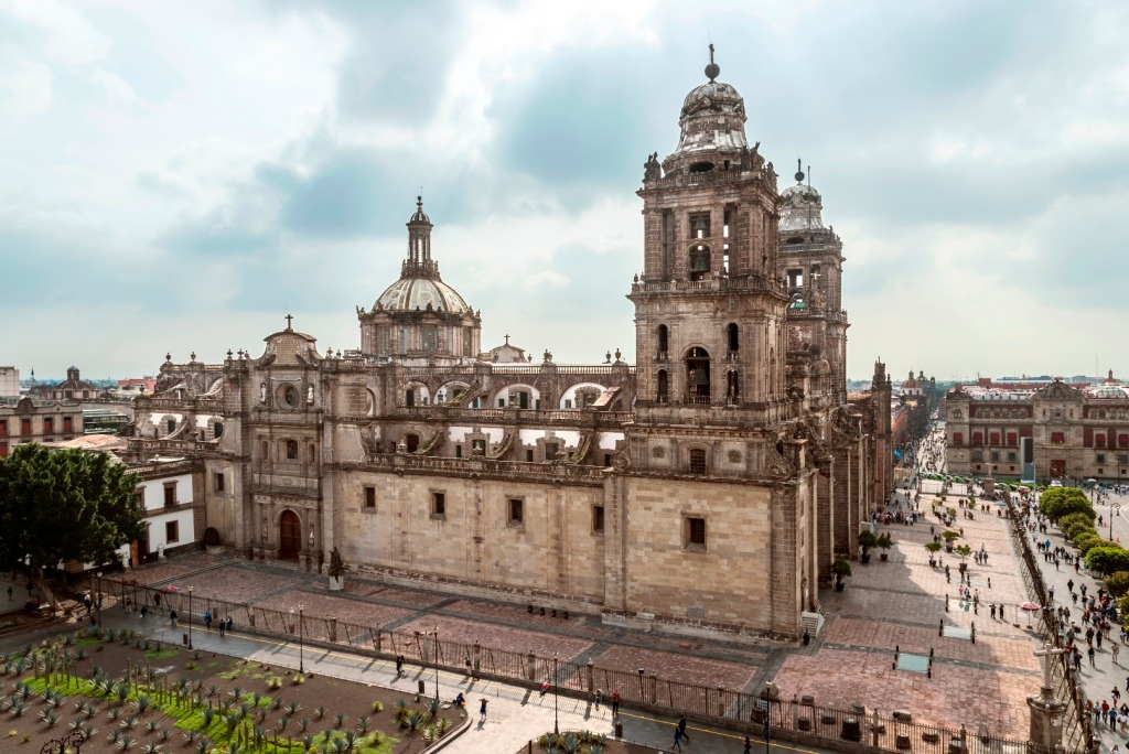 Catedral Metropolitana in El Zocalo, an essential thing to do in Mexico City | Skyscanner Canada