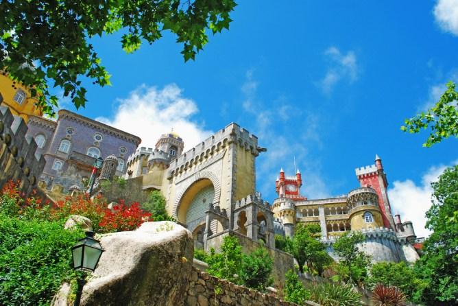 Το περίτεχνο Palácio Nacional da Pena στη Σίντρα.