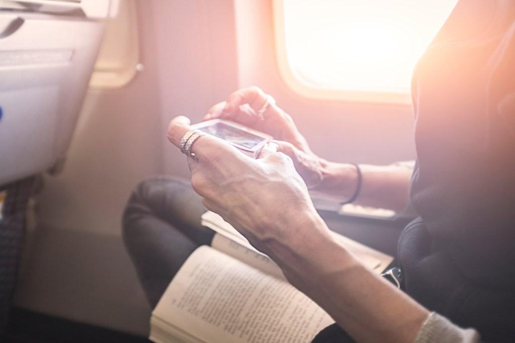 Путешествия для пенсионеров: популярные направления и цены