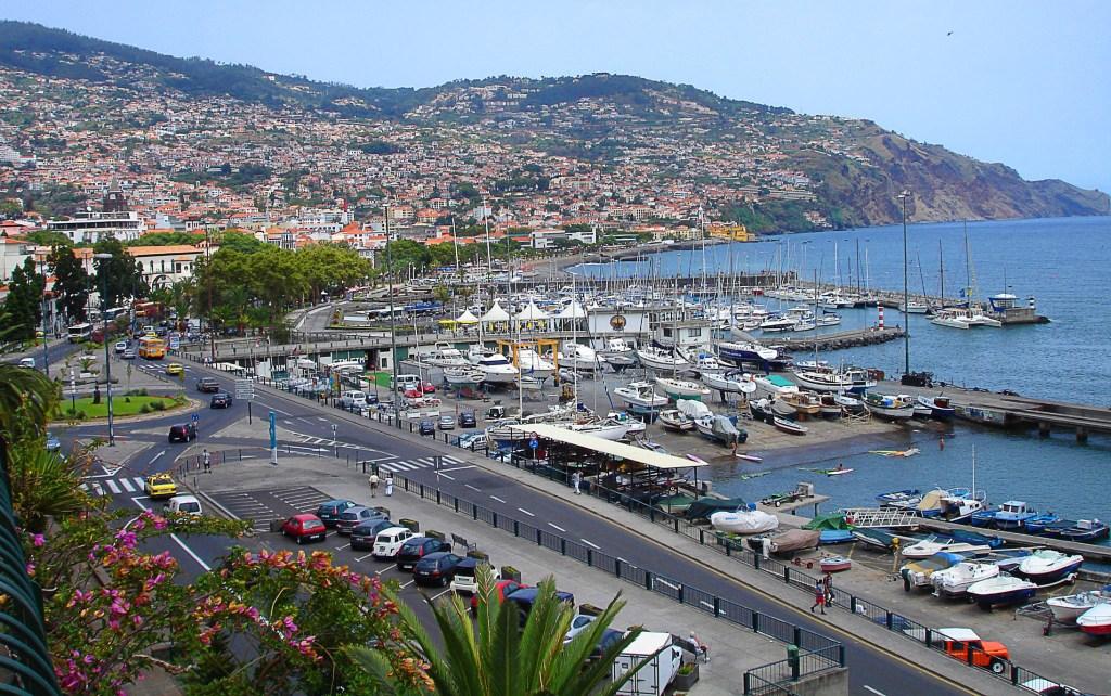 Matkaopas Portugali: Atlantin helmi Madeira