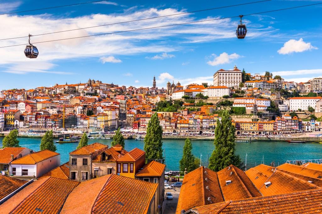 Τα τελεφερίκ είναι από τα πιο δημοφιλή αξιοθέατα της Πορτογαλίας.