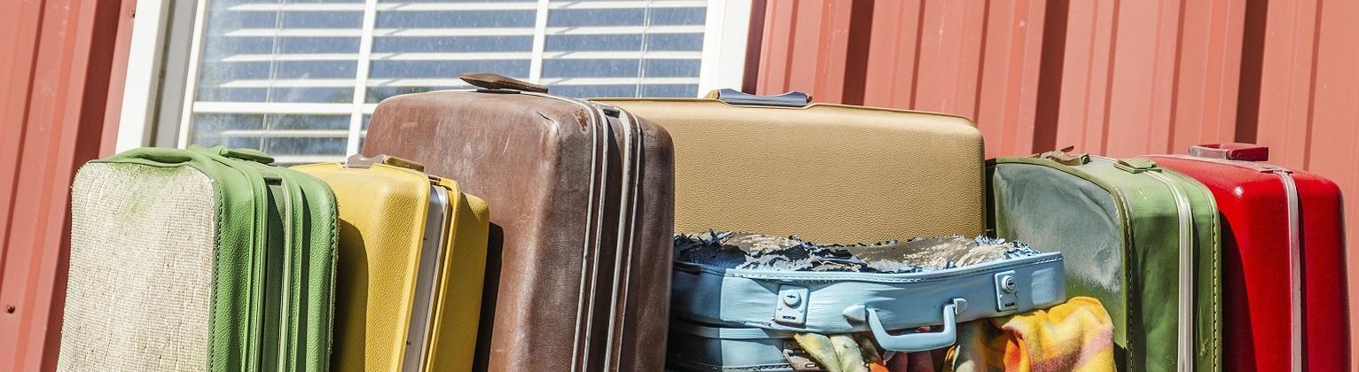 b8e48858bab95 Pogrom walizek! Test wytrzymałości 8 popularnych bagaży | Skyscanner Polska