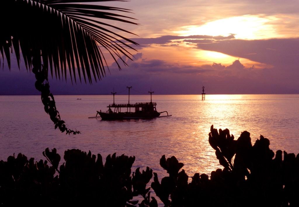 Insel-Hopping in Indonesien: Mietet euch ein Boot und geht auf Inselurlaub-Rundreise