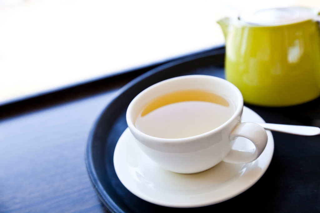 cup of tea to drink on your flight to beat jet lag