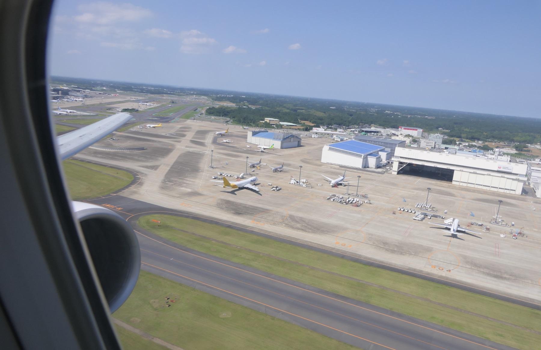 ノックスクートXW101便、成田を離陸