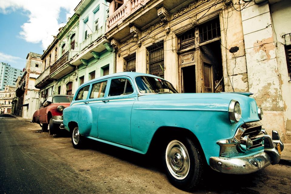 Coches clásicos en La Habana