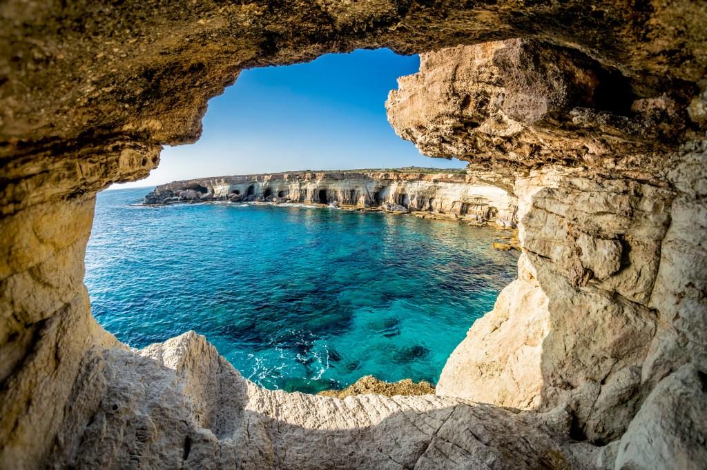 Пещера в Айя-Напе на Кипре