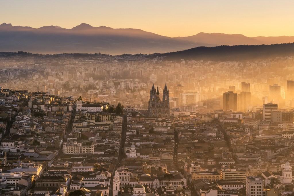 Puesta de sol en Quito