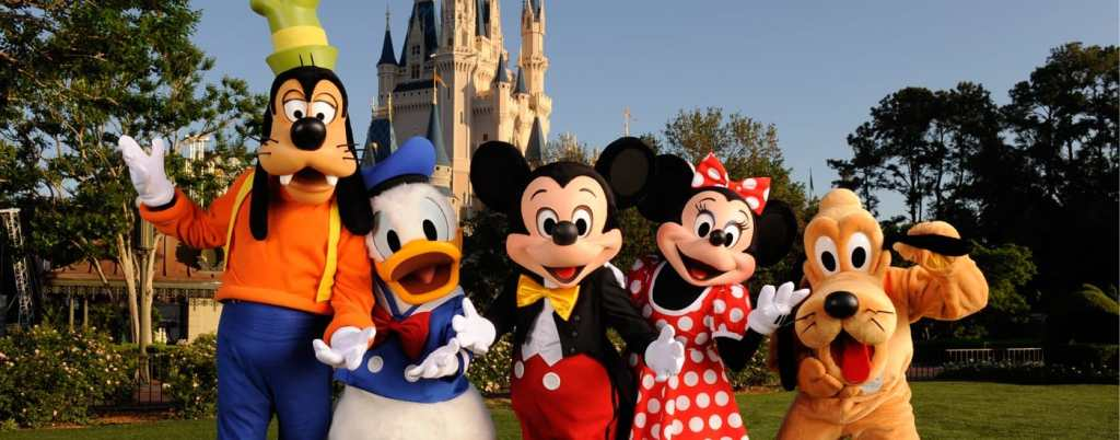 From left to right Disney characters: Goofy, Donald Duck, Mickey Mouse, Minnie Mouse, and Pluto.