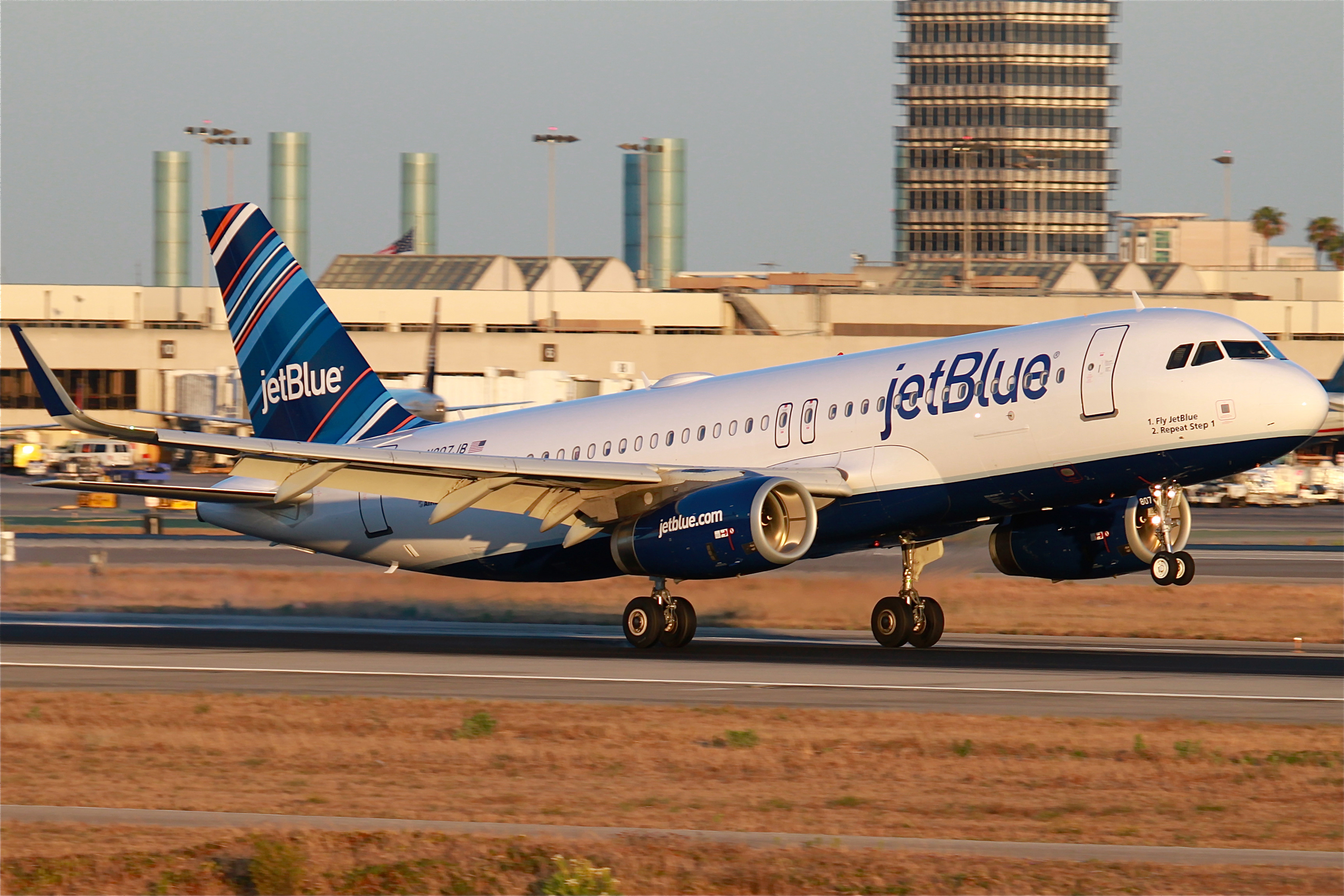 jetblue airlines the biggest airline Watch video in the 1990s, he was one of the founders of westjet, now canada's second-biggest airline and, after departing jetblue, neeleman founded azul brazilian airlines in 2008 neeleman remains ceo of.