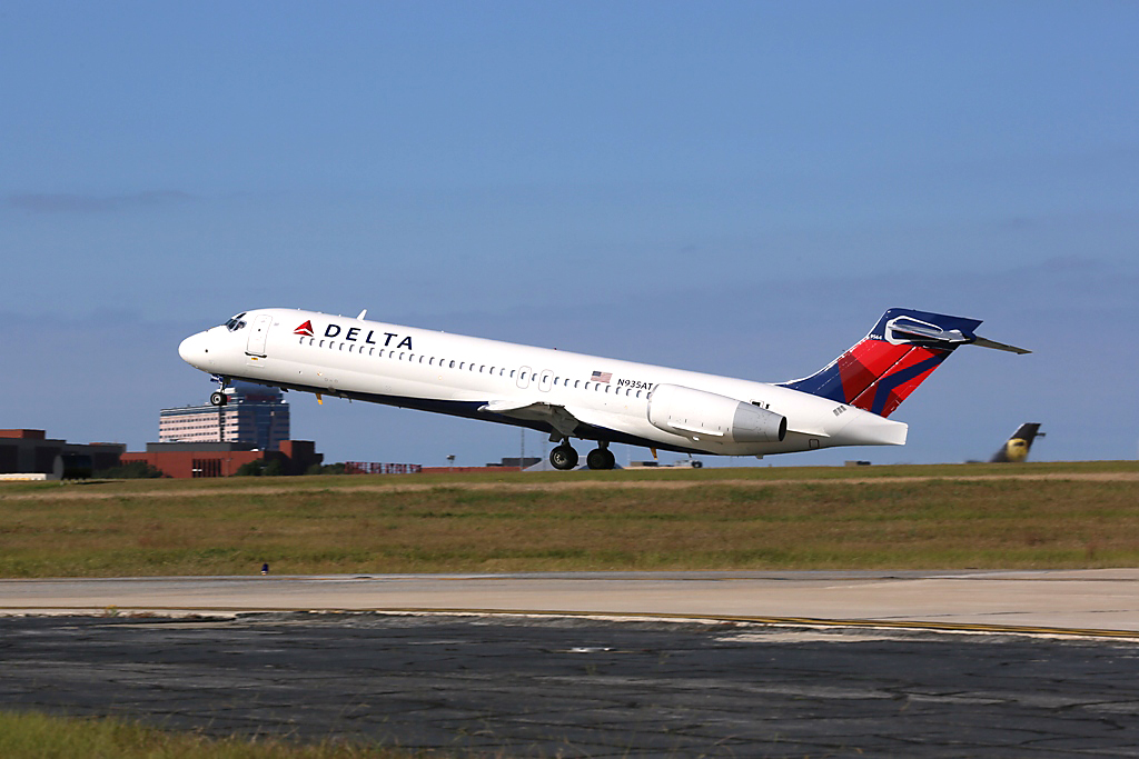 3f5748ffbb91 Delta Air Lines Black Friday Flight Deals 2018