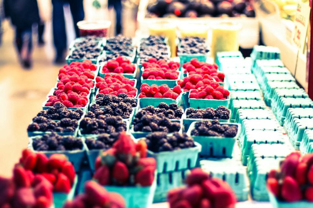 Frutas en St. Lawrence Market de Toronto, en Canadá