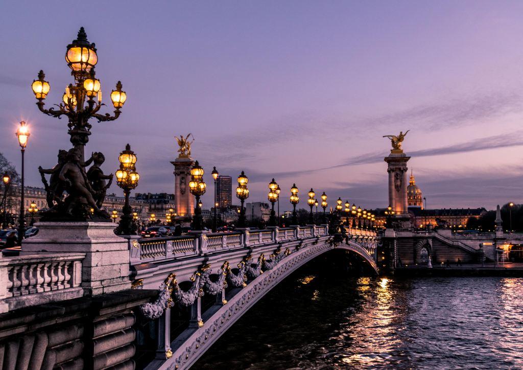 a bridge over the Seine in Paris