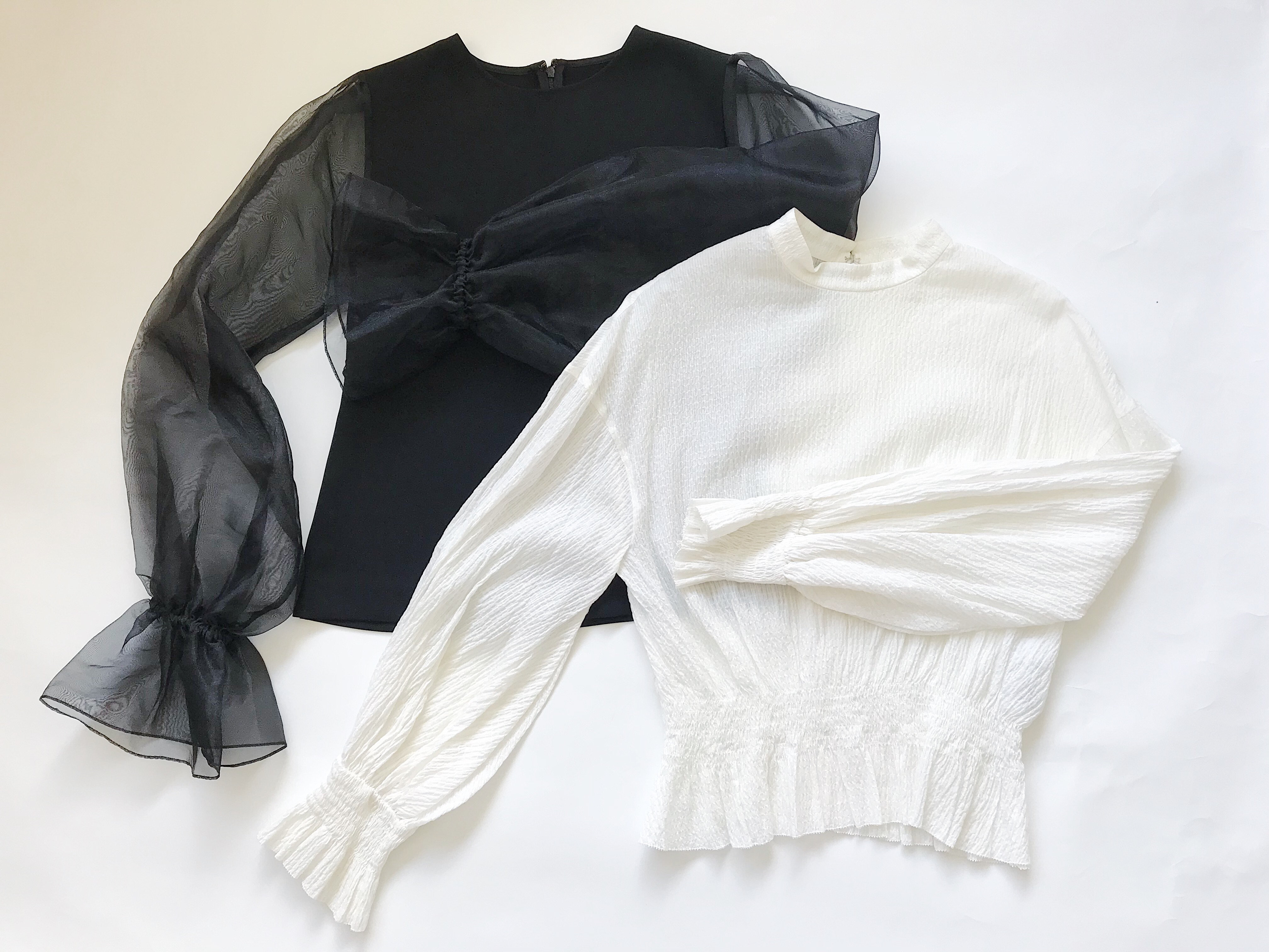 旅のファッションアイテム 袖が特徴的で上品に見えるトップス