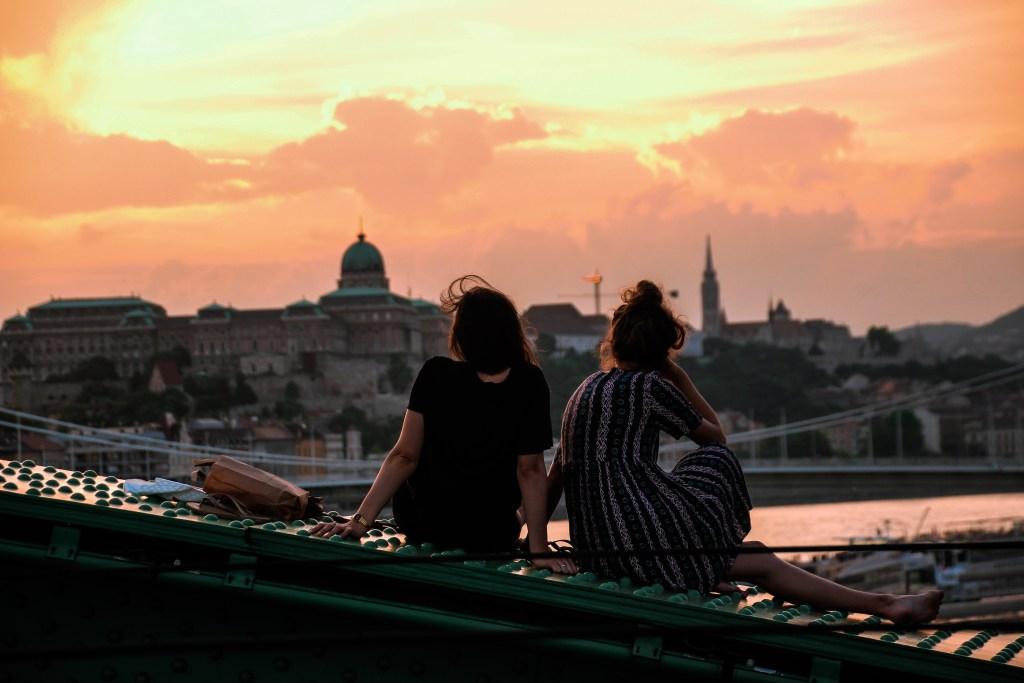 Amigos en Budapest, Hungría
