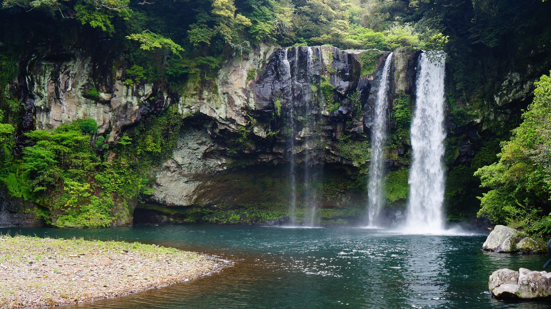 Cheonjiyeon waterfall jeju island korea itinerary