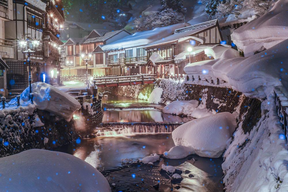 日本国内の冬の絶景5選 銀山温泉