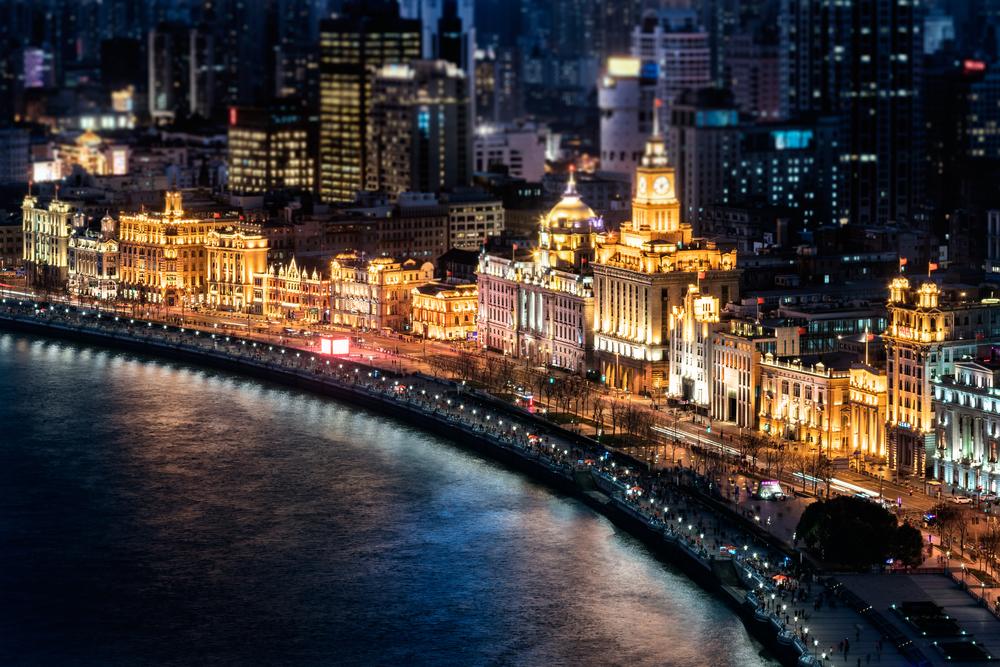 上海 ライトアップされた外灘地区 中国