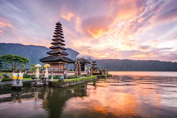 インドネシア バリ島 ウルン・ダヌ・ブラタン寺院