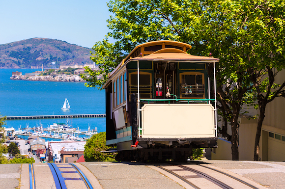 アメリカ サンフランシスコ ノスタルジックなケーブルカーで市内観光