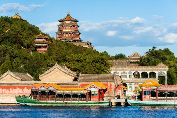 中国 昆明湖から見た頤和園