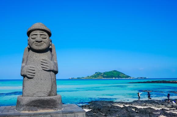 韓国 済州島のシンボル「トルハルバン」