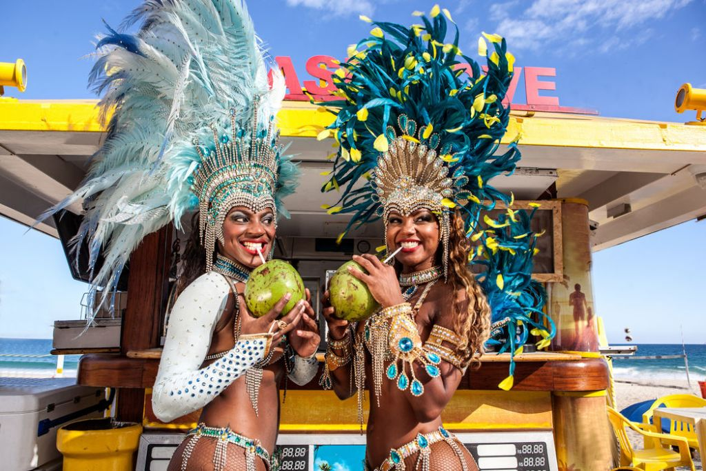 Two samba dancers