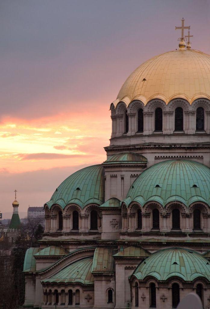 Μερική άποψη των τρούλων του Καθεδρικού Ναού Αλεξάντερ Νιέφσκι στη Σόφια, Βουλγαρία