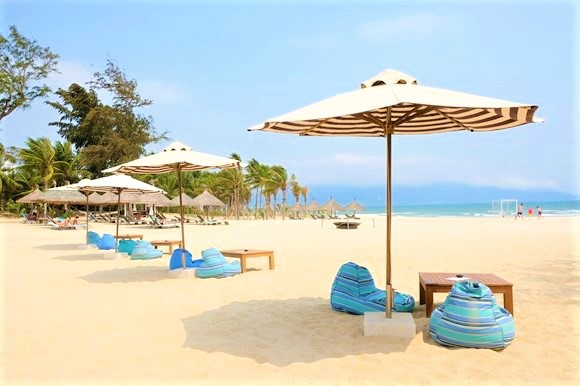 ベトナム  プルマン ダナン ビーチリゾートのプライベートビーチ