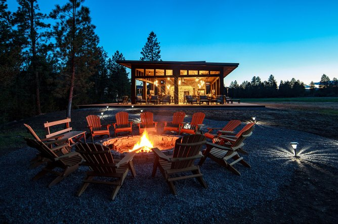 12 Best Glorious Glamping Resorts & Vacations in the United