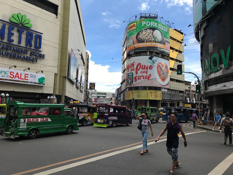 フィリピン・セブ島のダウンタウンにて